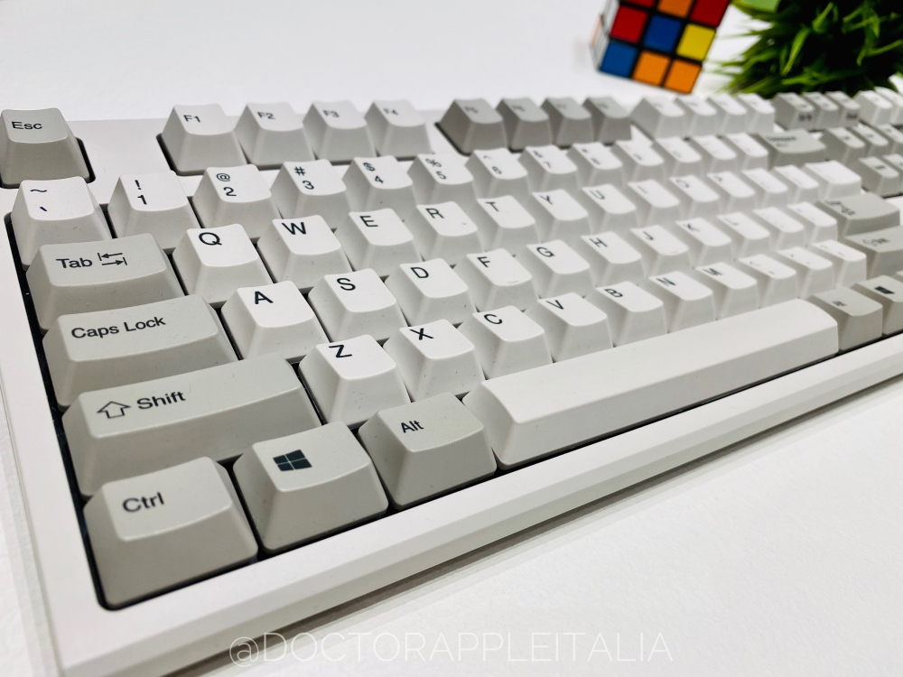 REALFORCE_R2_ceotech_doctorappleitalia_2