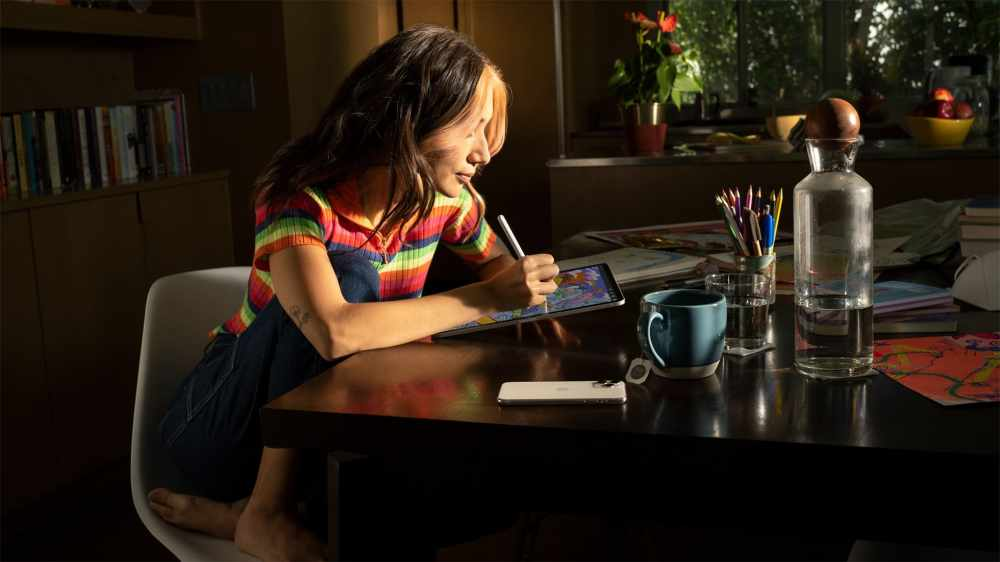 Apple_iPadOS15-user-on-iPadPro_060721